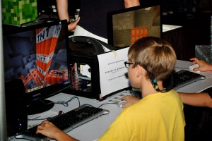children-playing-minecraft-showfloor-quakecon-120803-p